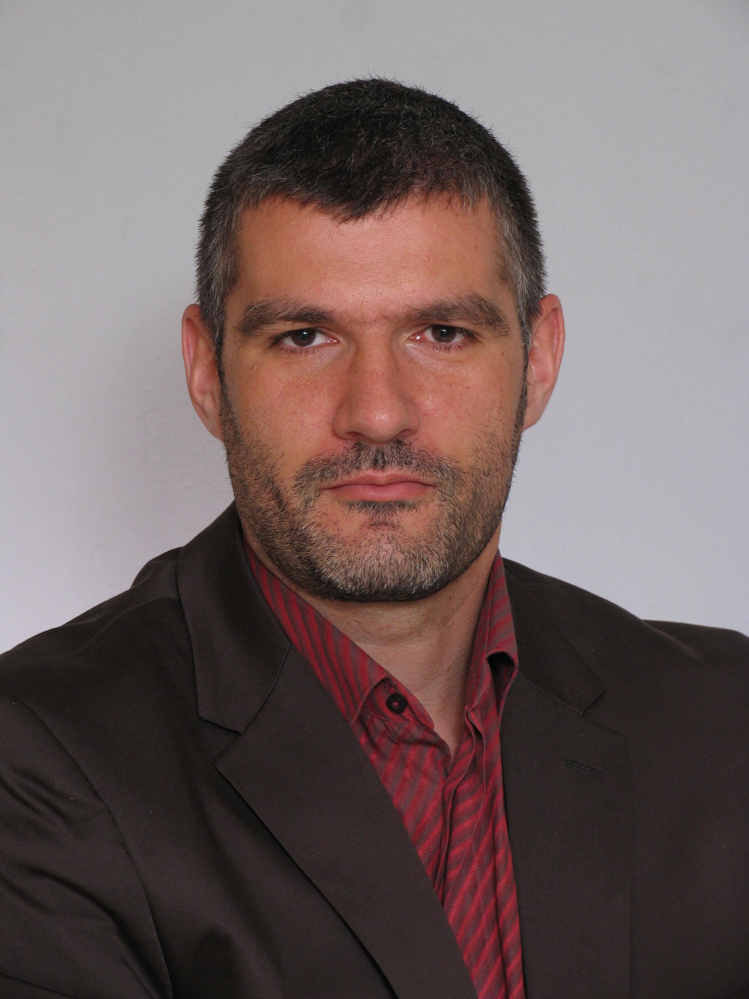 portret Momekov